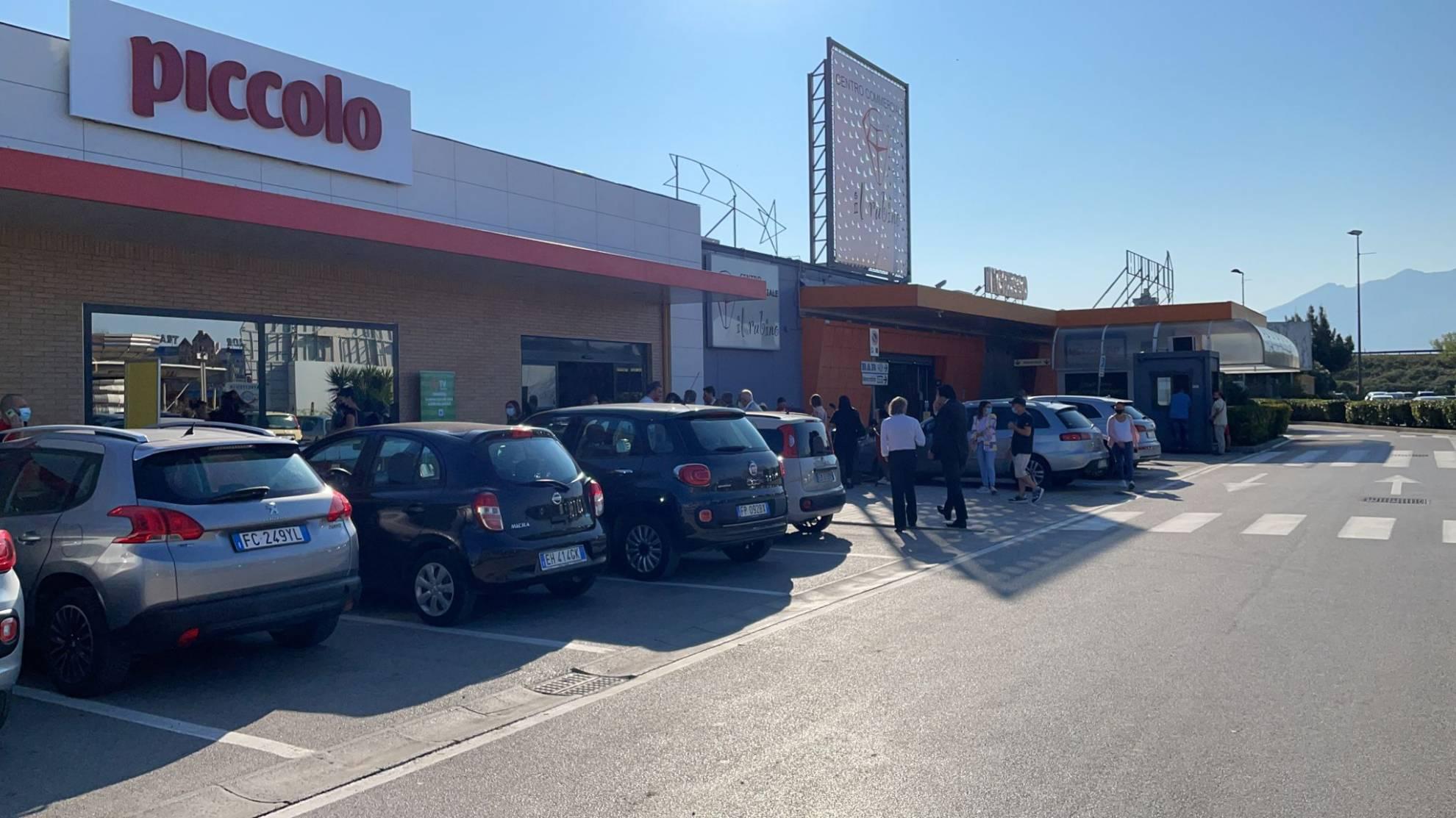 Acerra (NA) Centro commerciale